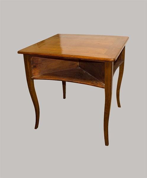 Spieltisch 078x077x077 Kirschbaum 1810/1815