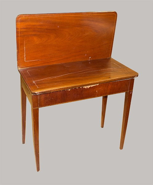 Spieltisch 078x085x042 Mahagoni furniert u. massiv 1830