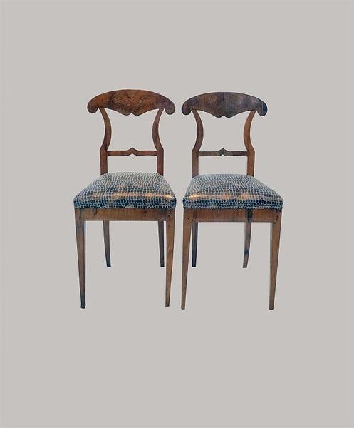 Paar Schaufelstühle Nussbaum furniert und massiv 1820