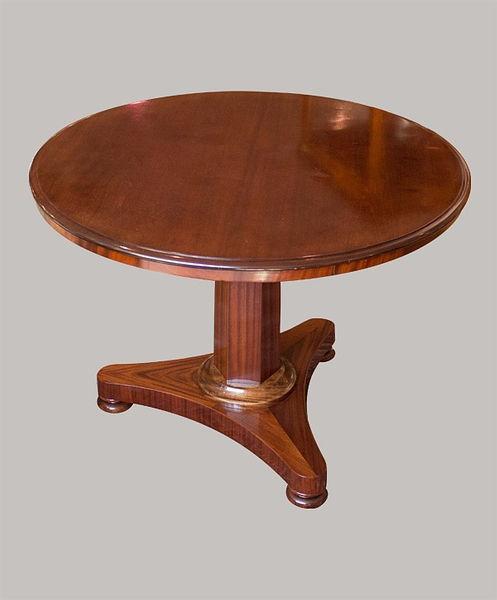 Tisch 099 Durchmesser 074 Mahagoni 1830