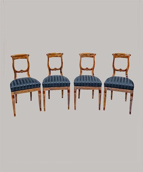 4 Stühle 047/088 Nussbaum furniert und massiv 1825