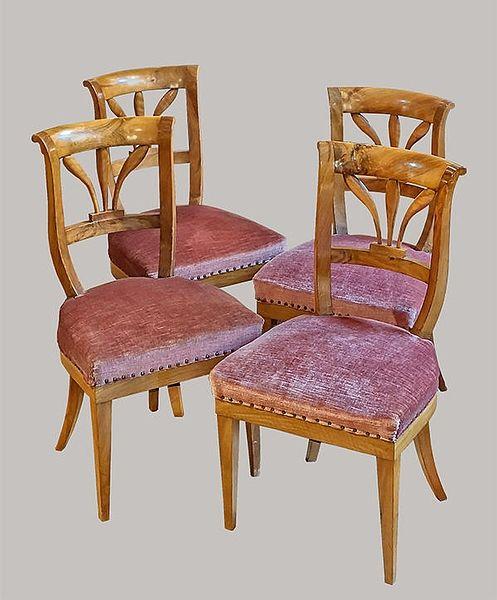 4 Stühle Nussbaum 046 1830