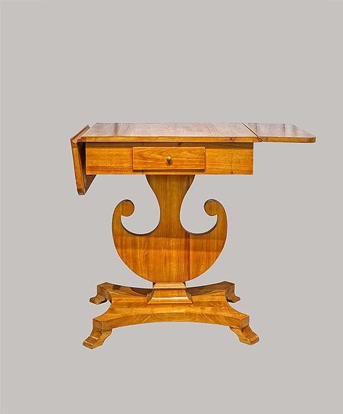 Lyratisch aus massivem und furniertem Kirschbaum, Antikes Möbel aus der Biedermeier Zeit