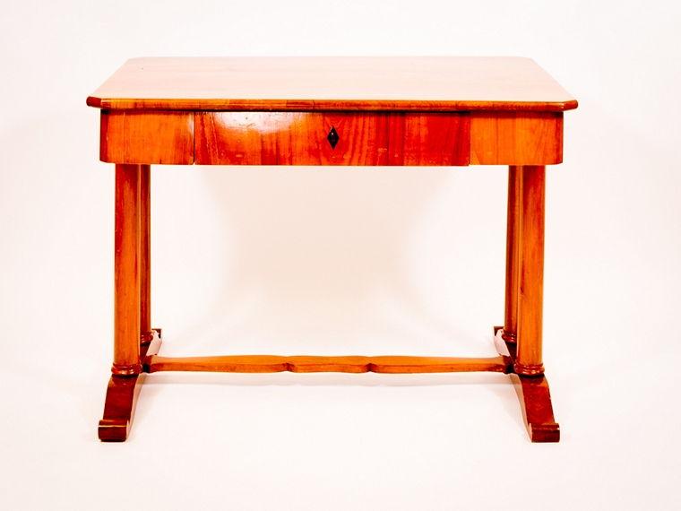 Schreibtisch kirschbaum massiv und furniert 1830 for Schreibtisch kirschbaum