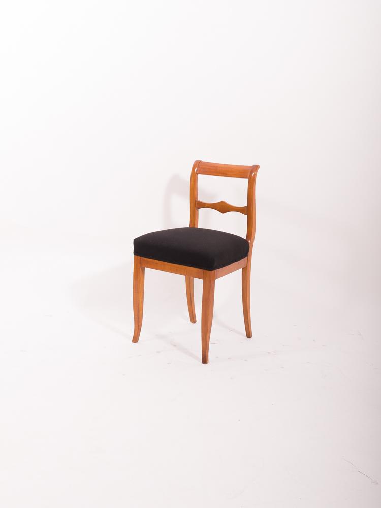 biedermeier einzelstuhl kirschbaum massiv 1830 antiquit ten daniel c nagel bad honnef. Black Bedroom Furniture Sets. Home Design Ideas