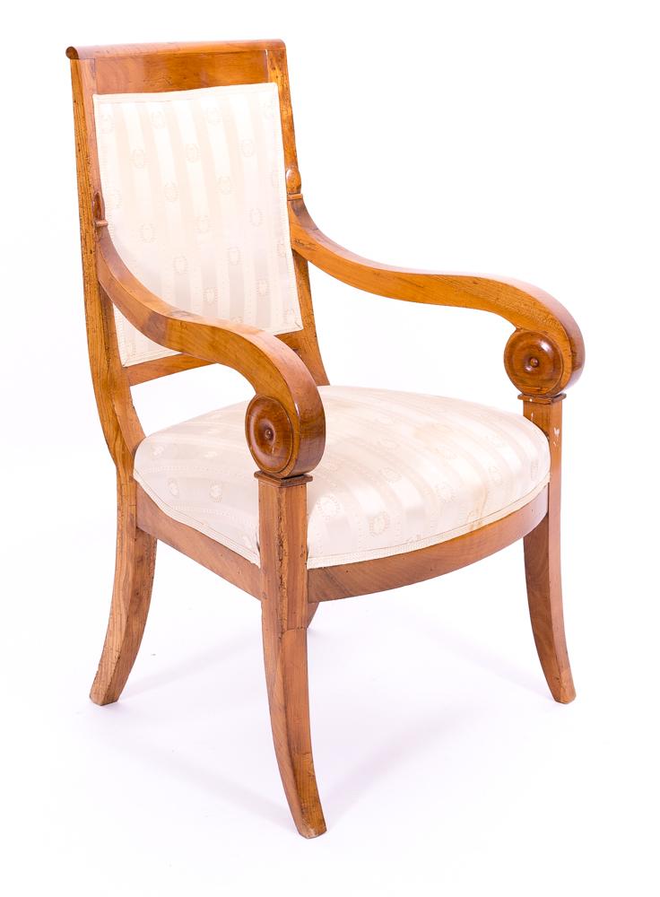 Polsterung und Stoffbezug eines Stuhles