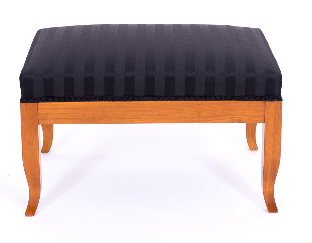 Kirschbaum Stilmöbel, Stühle, Schränke, Tische, Sekretäre, Schreibtische