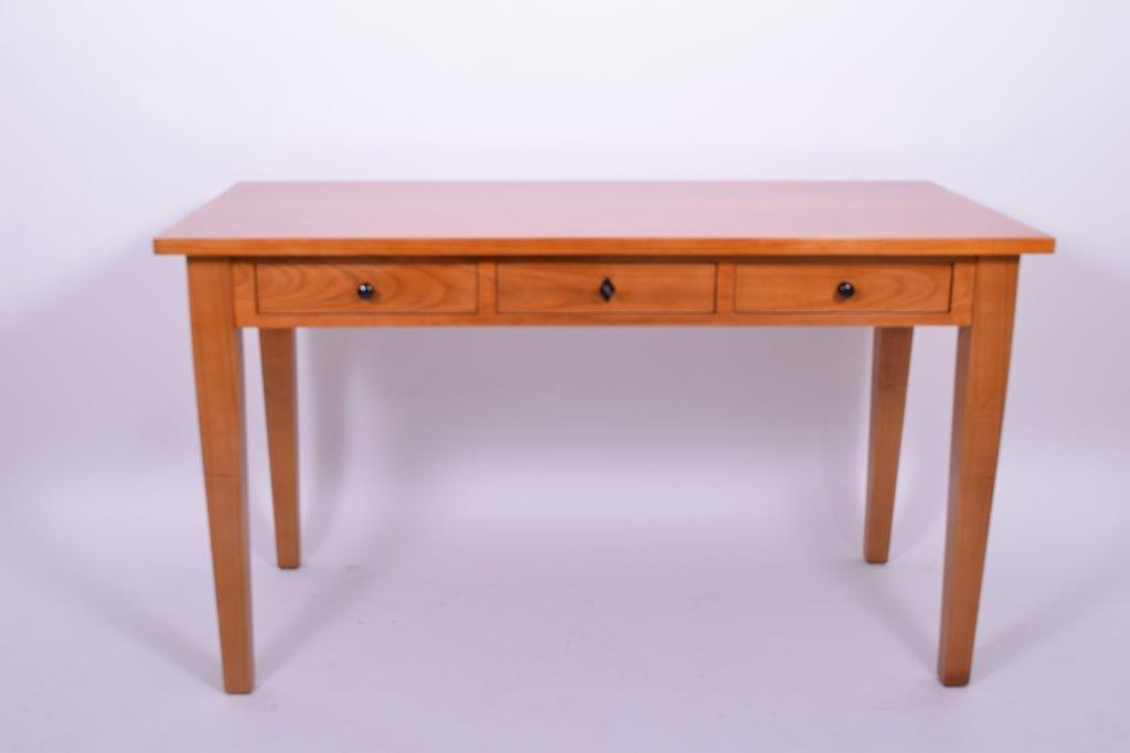 Herstellung von Stilmöbeln aus Kirschbau, Nussbaum, Mahagoni