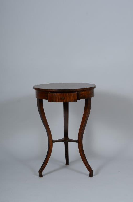 anitke Tische, Stühle, Schränke, Kommoden, Anrichten
