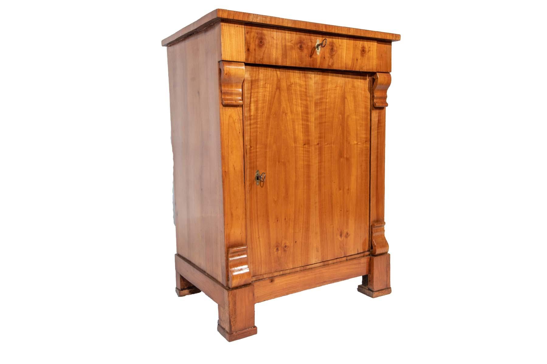 Antike Biedermeier Möbel